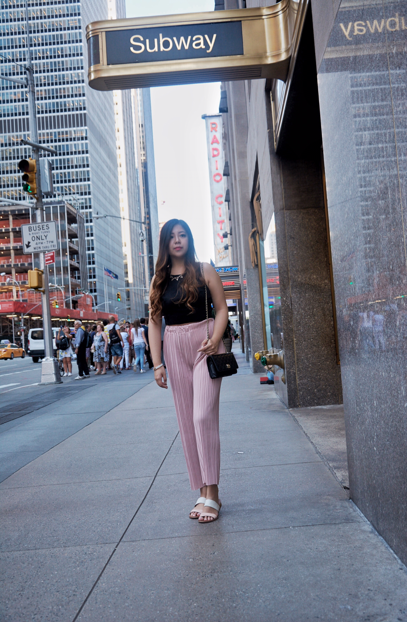 subway mta nyc pink pleated pants