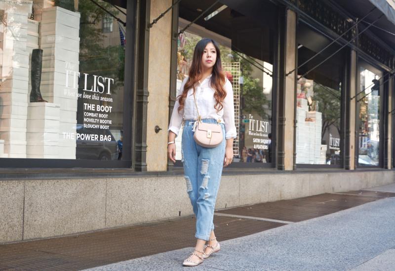 white shirt denim jeans valentino rockstuds chloe drew blogger