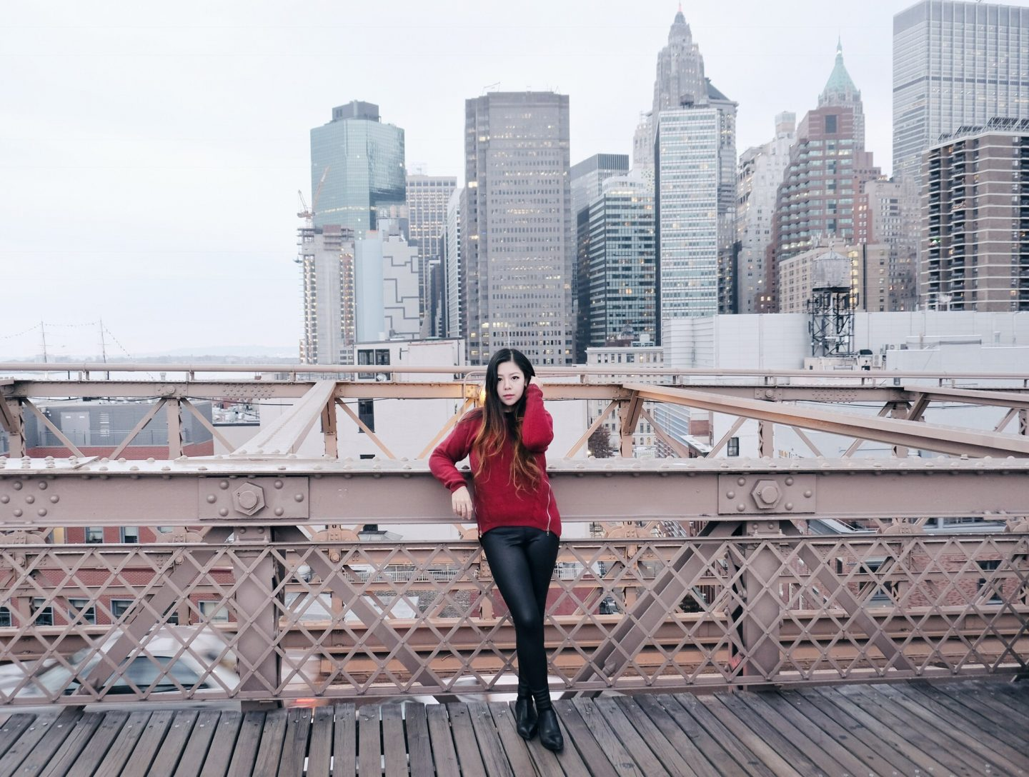nyc brooklyn bridge blogger babe