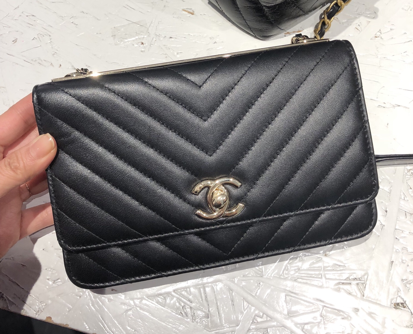 chanel-trendy-cc-woc-chevron